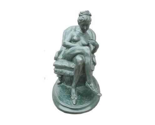 Naar Dalou (1838 - 1902) - Naakte vrouw lezend in Leunstoel (brons)