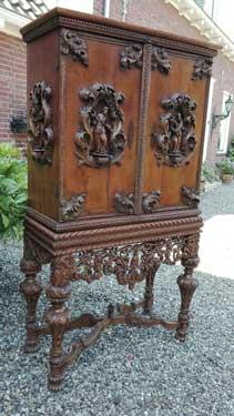 Kruisvoet kabinet - NL Antiques
