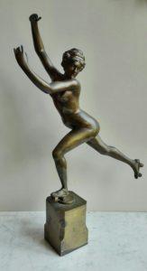 naakt, vrouwelijke brons, rolschaatsen